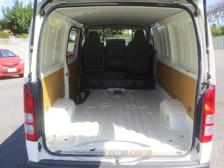 Trunk Space Toyota Hiace Pictures to Pin on Pinterest - ThePinsta